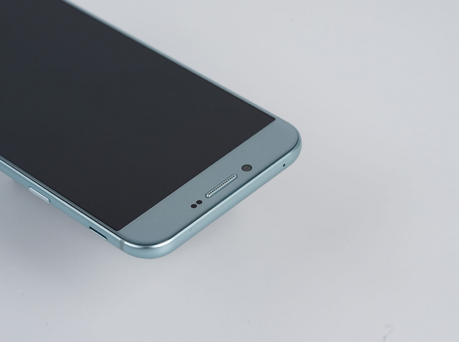 samsung-galaxy-a8-2016-unboxing-pic9.jpg