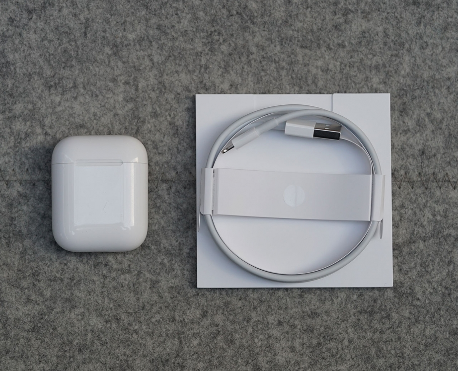 apple-airpods-unboxing-pic2.jpg