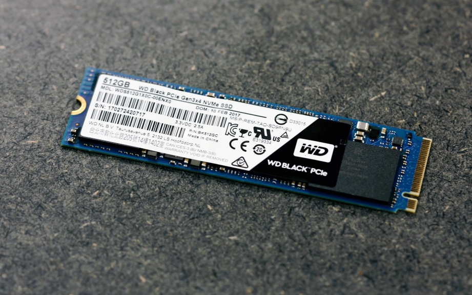 wd-black-pcie-ssd-unboxing-pic2.jpg