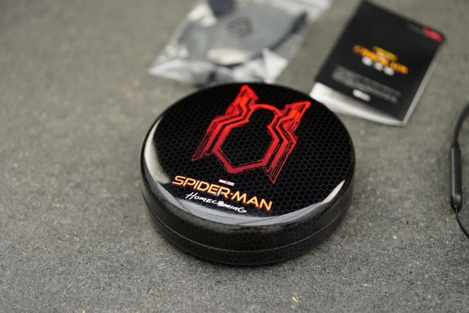 br31-spider-man-bluetooth-headsets-unboxing-pic1.jpg