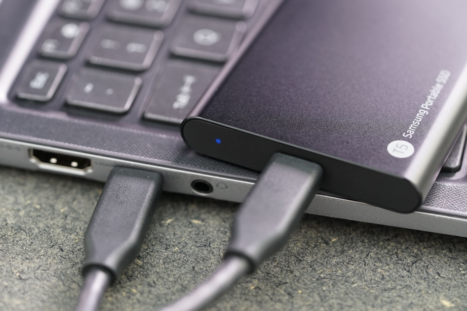 samsung-portable-ssd-t5-unboxing-pic11.jpg