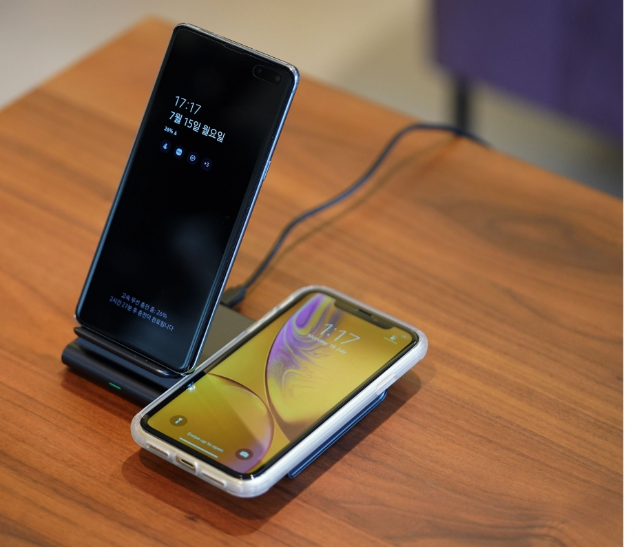 vapalux-clever-tachyon-fast-wireless-charger-duo-unboxing-pic8.jpg