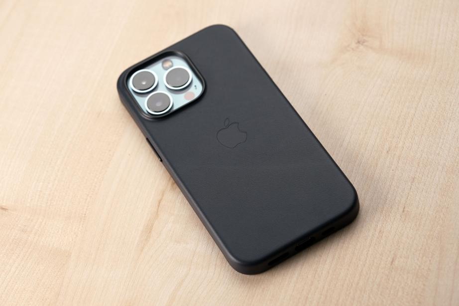 apple-iphone-13-series-unboxing-pic3.jpg