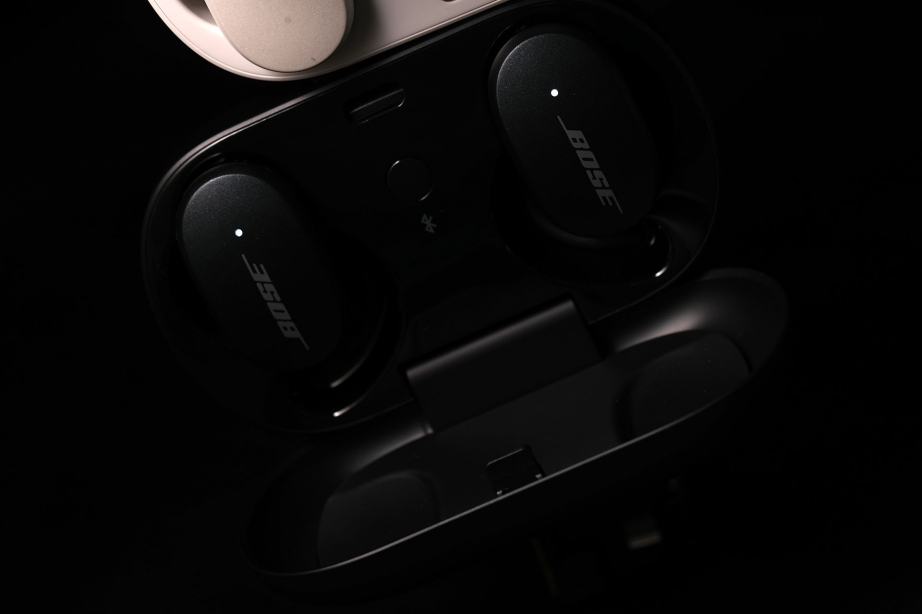 bose-quietcomfort-earbuds-preview-pic2.jpg