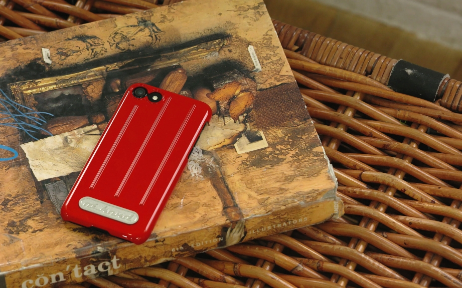 athand-retro-convex-slim-case-unboxing-pic1.jpg