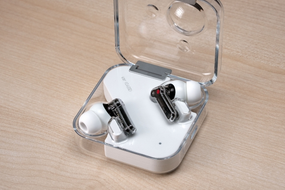 nothing-ear-1-unboxing-pic1.jpg