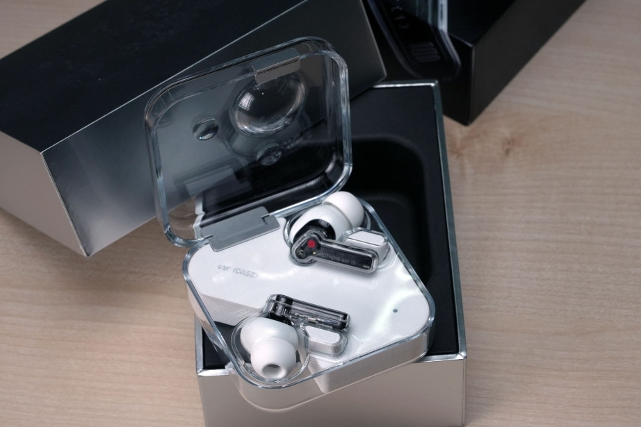 nothing-ear-1-unboxing-pic3.jpg