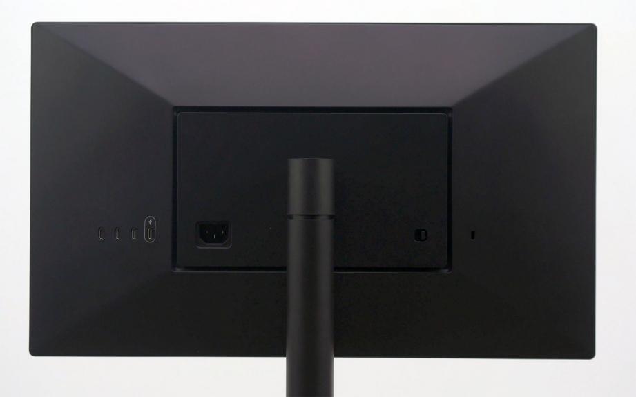 lg-ultrafine-4k-unboxing-pic6.jpg