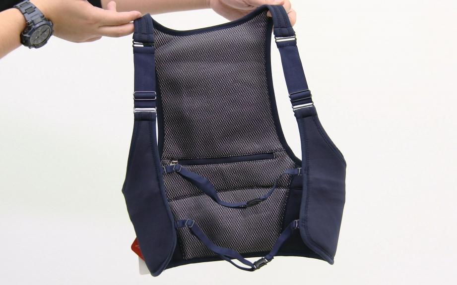 memorette-onwear-heated-vest-unboxing-pic1.jpg