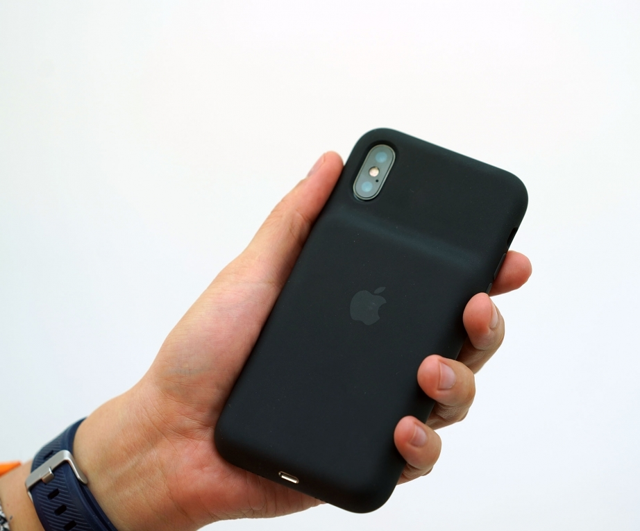 apple-iphone-xs-smart-battery-case-unboxing-pic4.jpg
