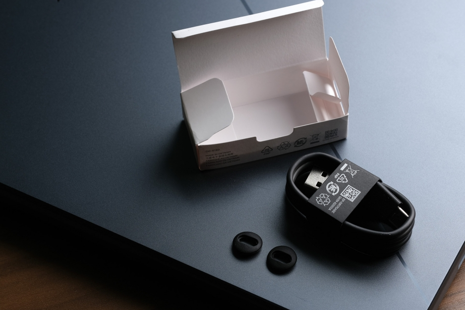 samsung-galaxy-buds-live-unboxing-pic7.jpg