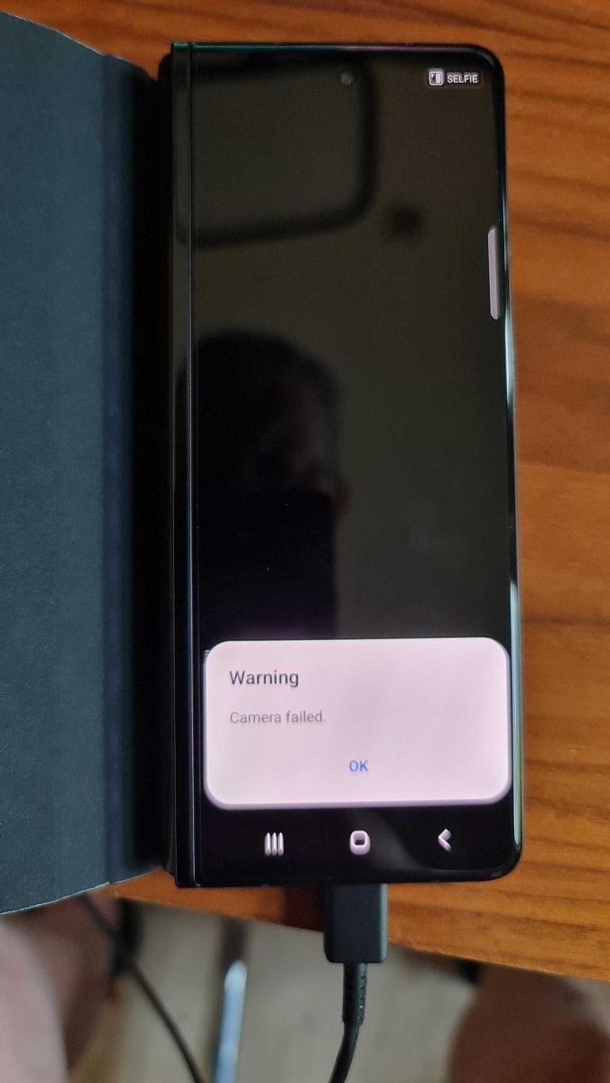 Samsung-Galaxy-Z-Fold-3-bootloader-unlocked-camera-failed.jpg