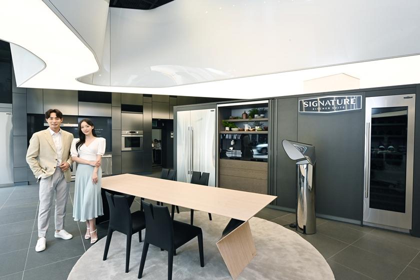 SIGNATURE-KITCHEN-SUITE-European-Premium-Furniture-1.jpg