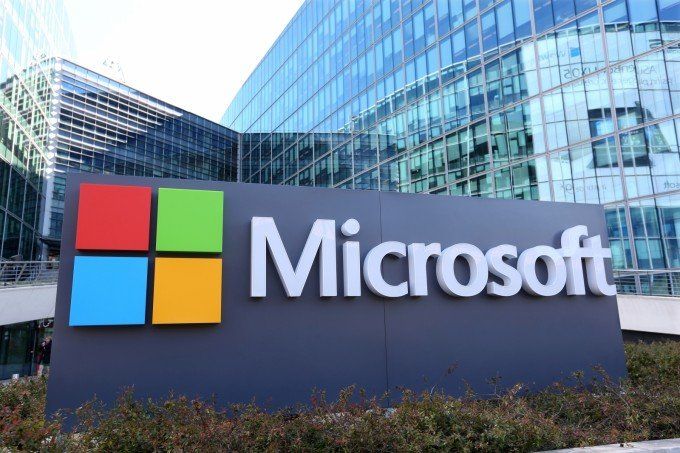 Microsoft-to-produce-400-Surface-Tablets-to-compete-with-the-Apple-iPad.jpg