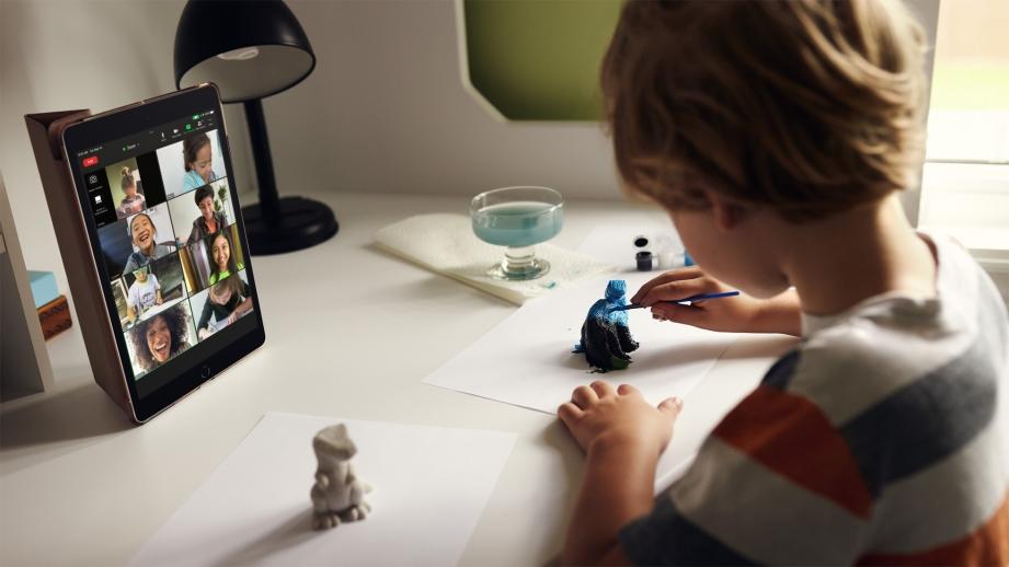 Apple_iPad-10-2-inch_Connect_09142021.jpg