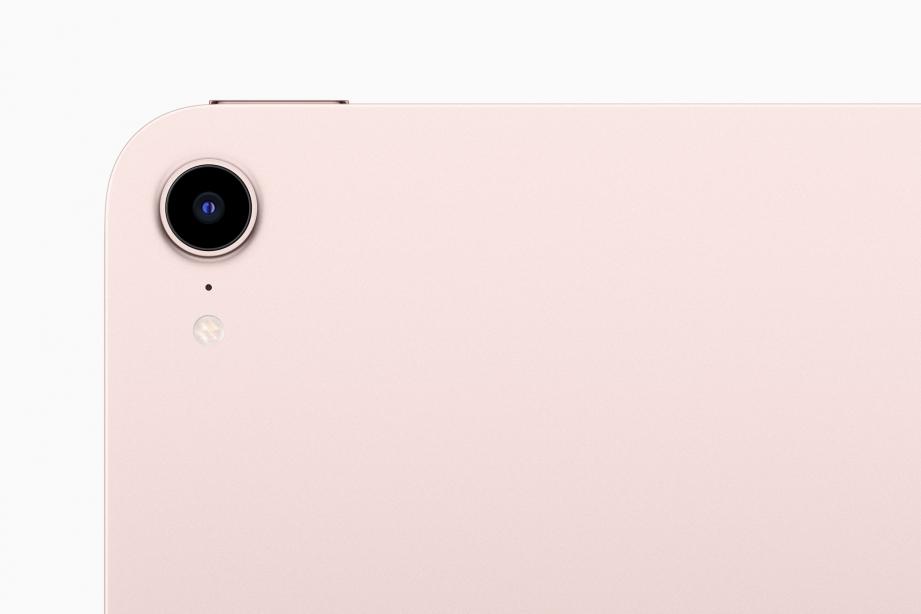 Apple_iPad-mini_back-camera_09142021.jpg