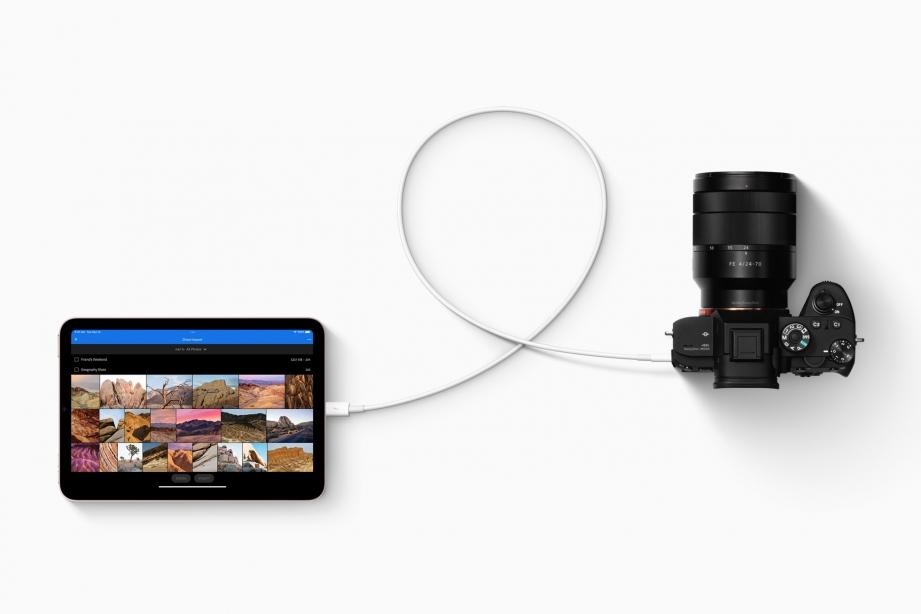 Apple_iPad-mini_connectivity-photography_09142021.jpg